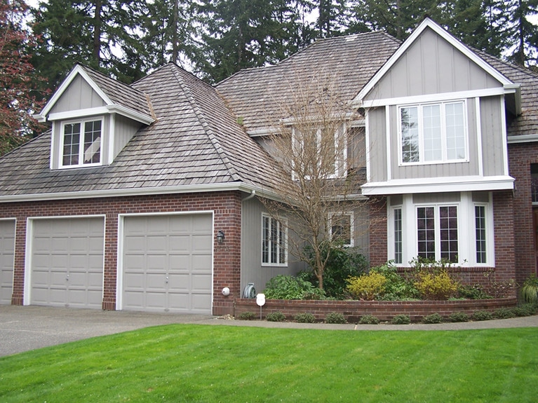 Exterior house repainting in Sammamish by Armadillo Painting