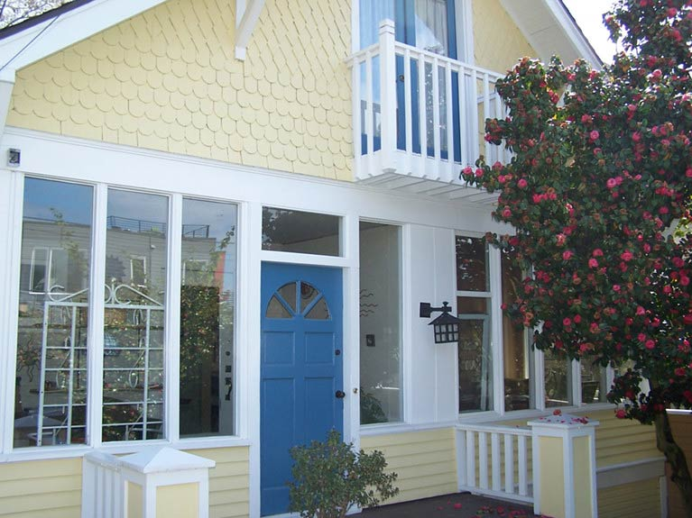 Seattle exterior painting project Wallingford neighborhood by Armadillo Painting
